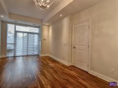High End Condo In Oakville, On First Floor, 2b+2ba, Ajax, Ca